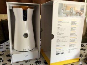 Die Verpackung der Hundekamera Furbo ist sehr durchdacht und wirkt stabil und hochwertig.