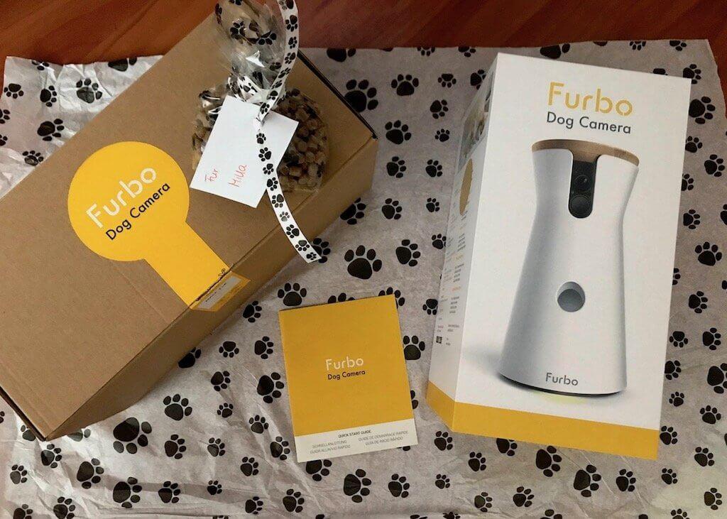 Testpaket der Hundekamera Furbo mit Leckerchen für den Hund
